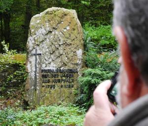 Hier liegt einer der Jäger aus Kurpfalz...